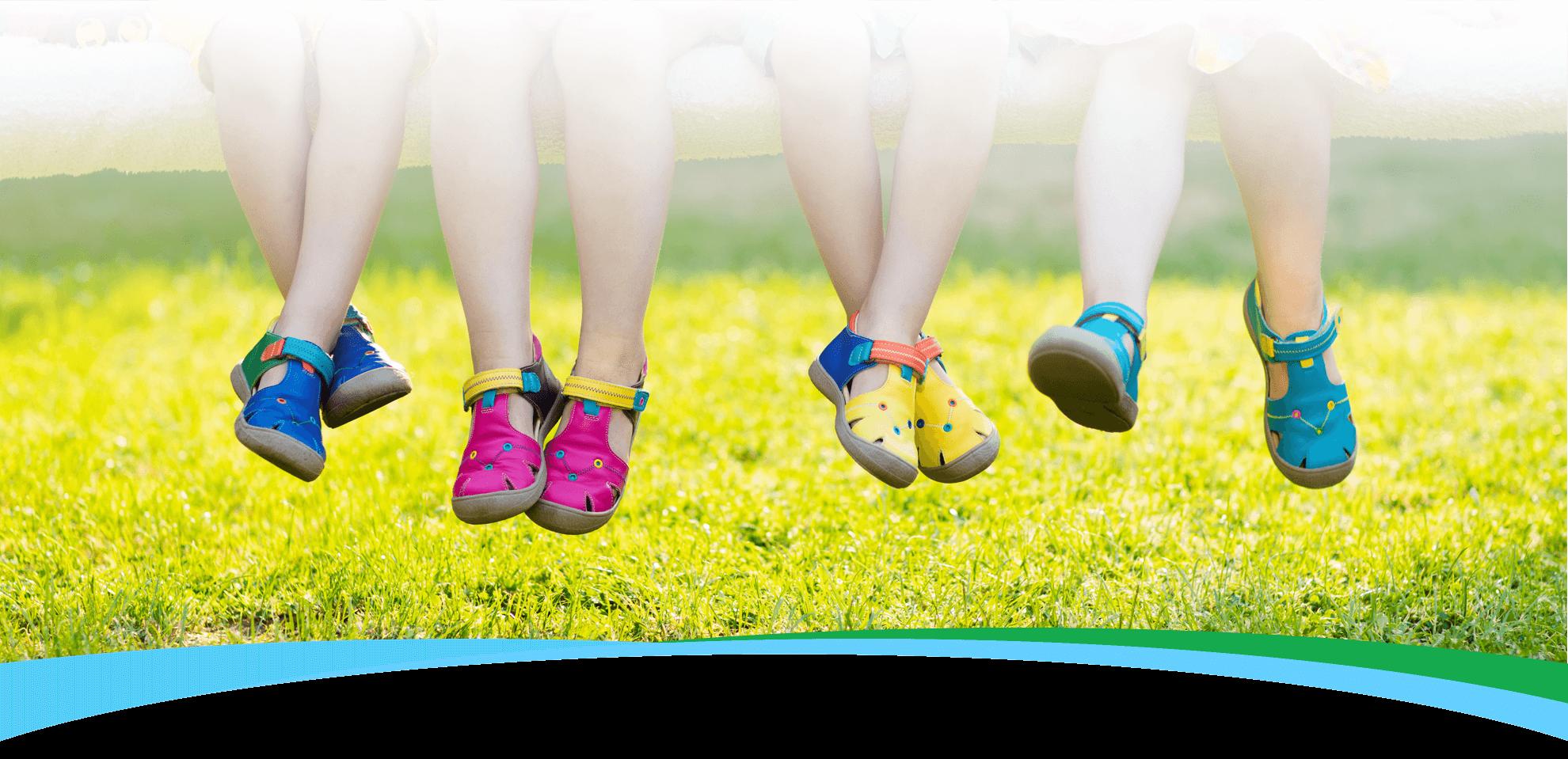 پاهای کودکان: آنچه در هر مرحله از رشد آنها باید بدانید