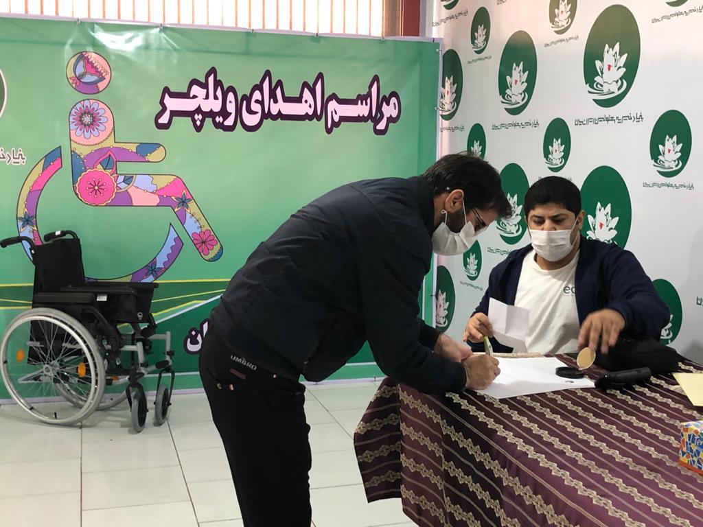 ارزیابی و تهیه ویلچر در همکاری با بنیاد معلولین ایرانیان  برای مددجویان